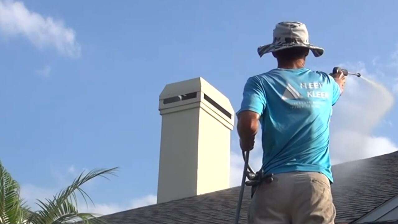 Roof Cleaning in Sarasota